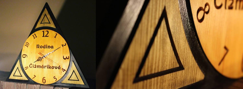 nástenné drevené hodiny
