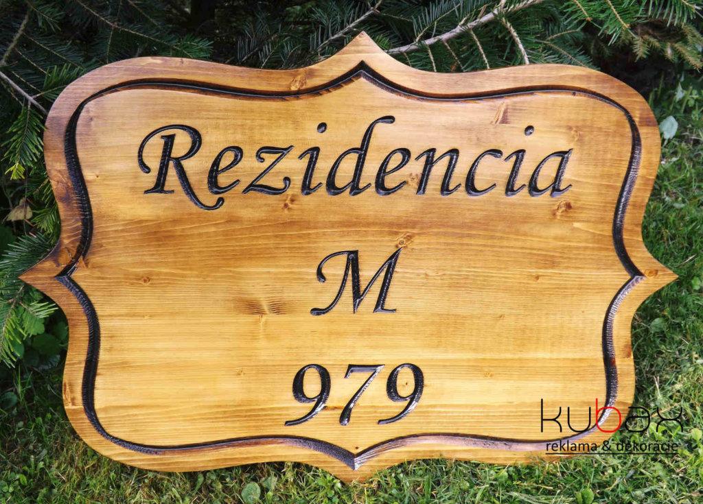 drevené nápisy na chatu